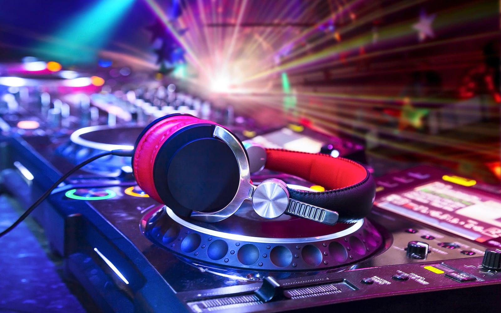 Leistungen - DJ Viktor Bazanov